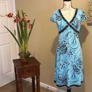 TAHARI High Waisted Print Dress. Size 4